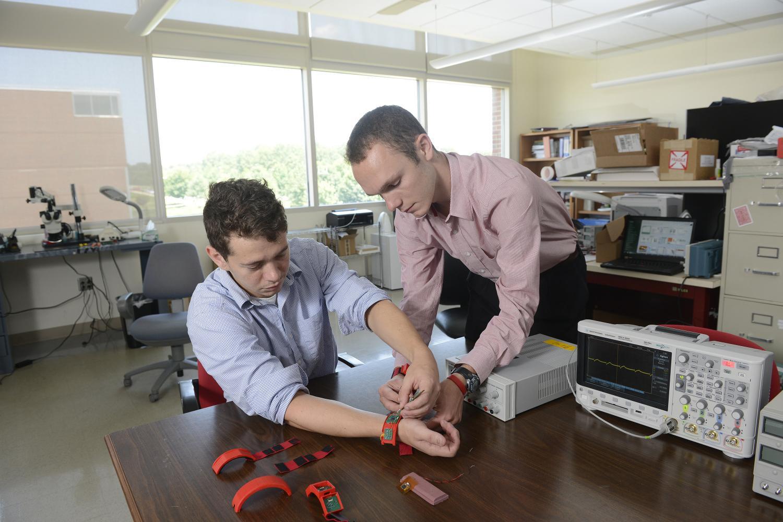 Новое носимое устройство предскажет приступ астмы