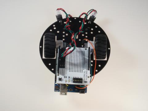 Робот, ездящий по линии под управлением Arduino